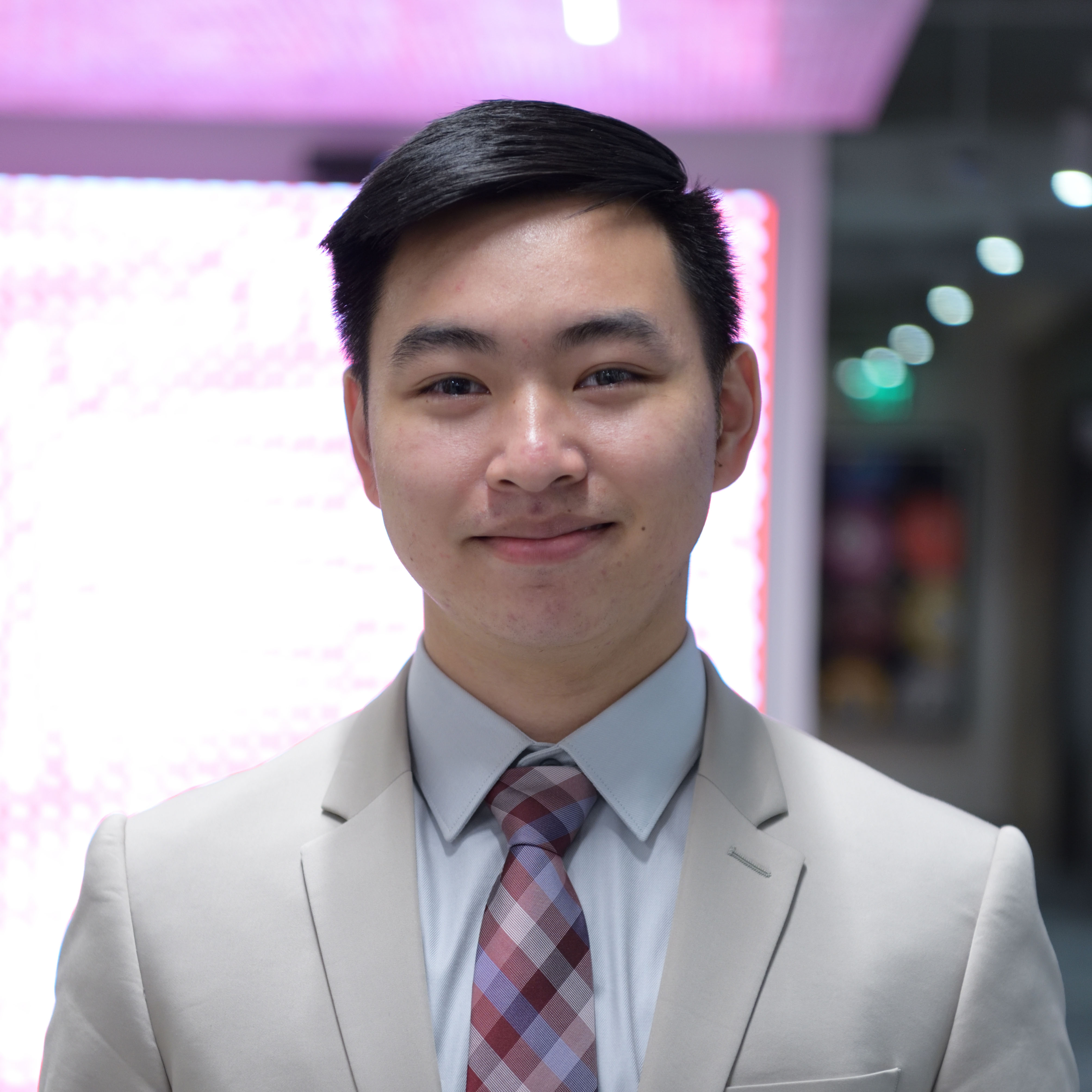 Profile picture of Julian Vu